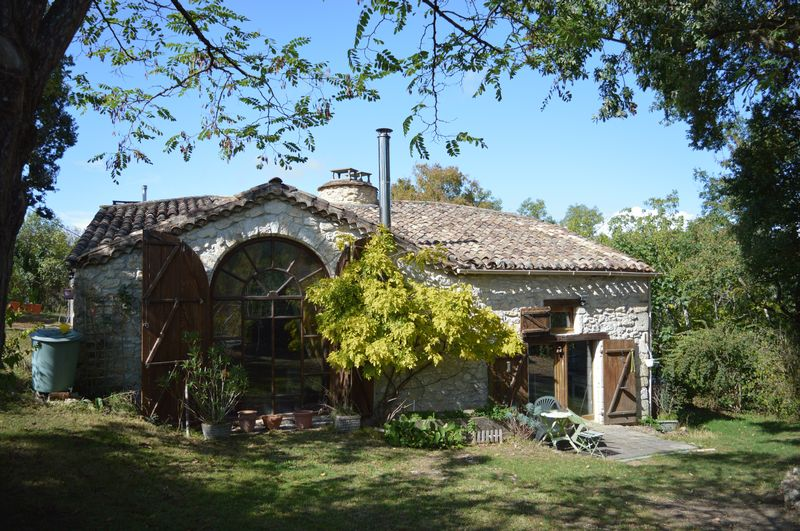 Exceptional price for a charming property in a peaceful haven.