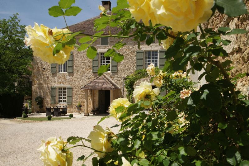 Charming 17th Century restored Manoir with stunning views, must visit!