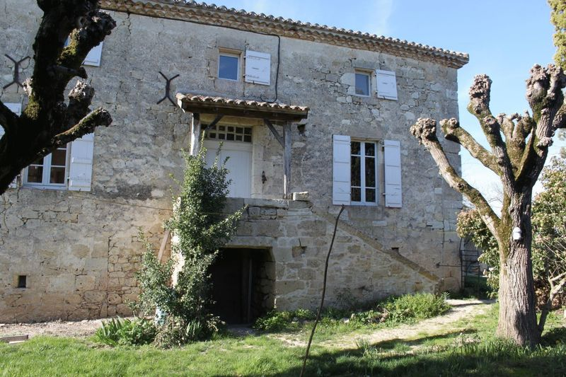 2 bedroom stone house with separate accommodation and barn