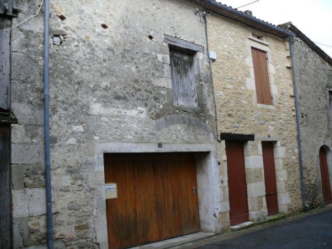 Project in popular bastide town