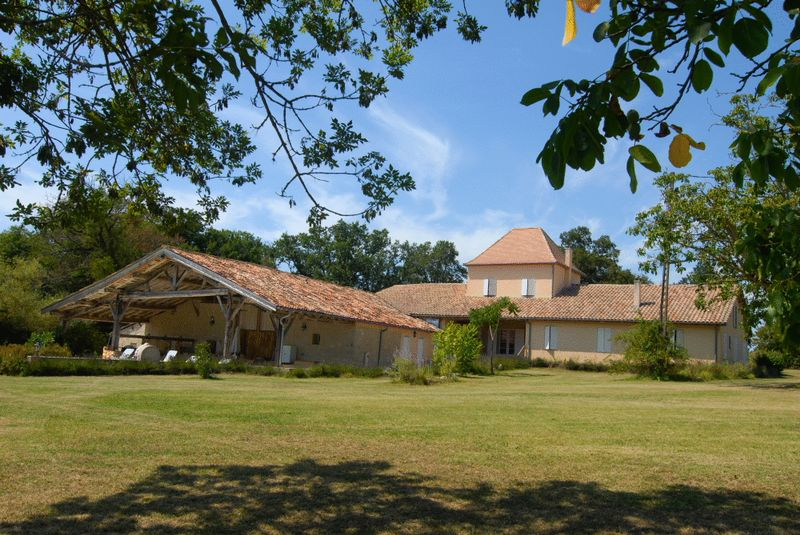 Stunning 6 bedroom restored property in magnificent surroundings