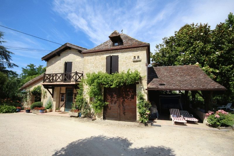 Unique property including 3 bed stone water mill, attached 1 bed gite - 2 min. from shops!