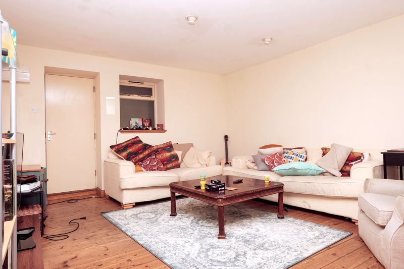 Holland Road, Hove property to let in Central Hove, Brighton by Coapt