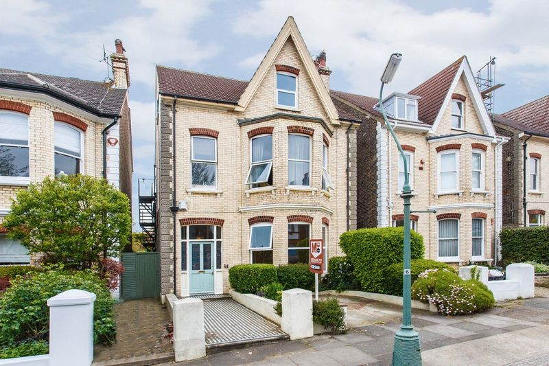 22 Wilbury Gardens, Hove property for sale in Hove, Brighton by Coapt