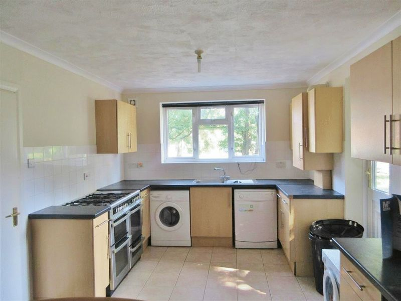 Auckland Drive, Brighton property to let in Bevendean, Brighton by Coapt