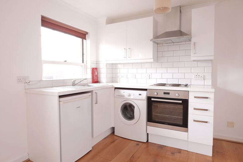 George Street, Brighton property to let in Kemptown, Brighton by Coapt