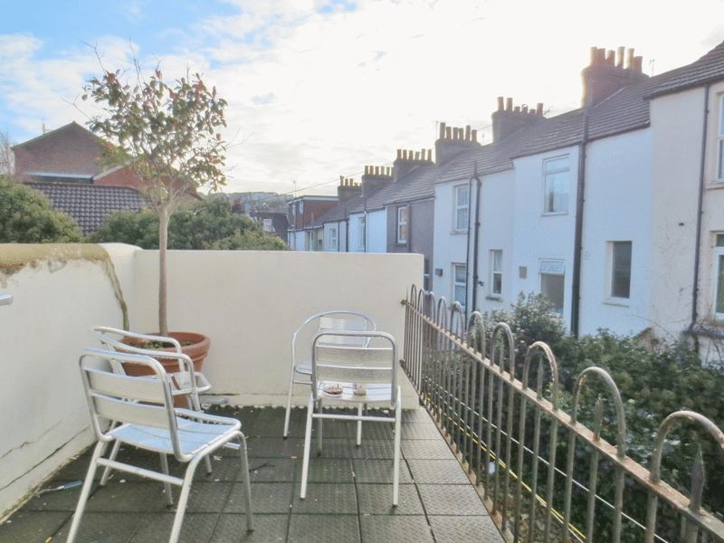 Upper Lewes Road, Brighton property to let in Lewes Road South, Brighton by Coapt