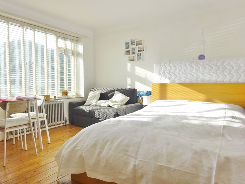 Kingsway, Hove property for sale in Hove, Brighton by Coapt