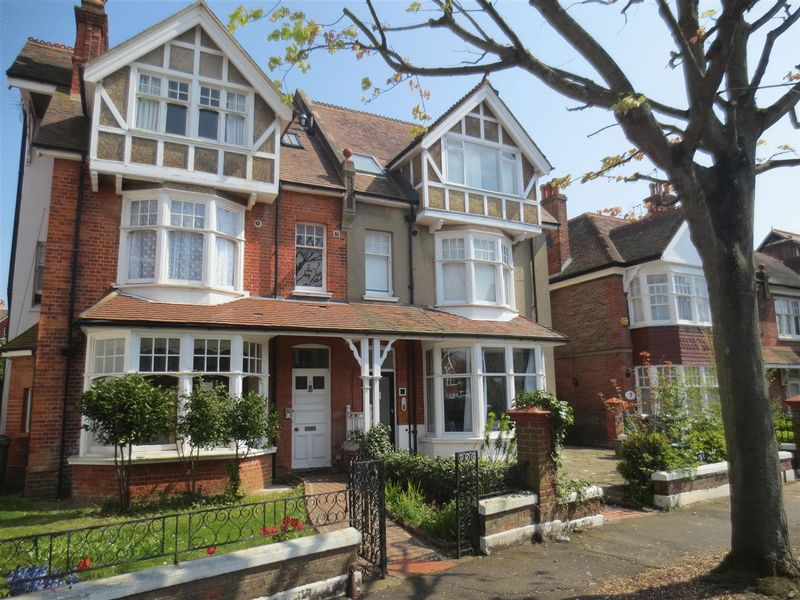 Pembroke Avenue, Hove property to let in Central Hove, Brighton by Coapt