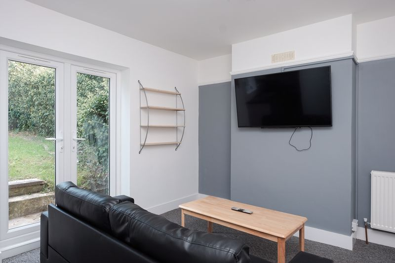 Crayford Road, Brighton property to let in Coombe Road, Brighton by Coapt