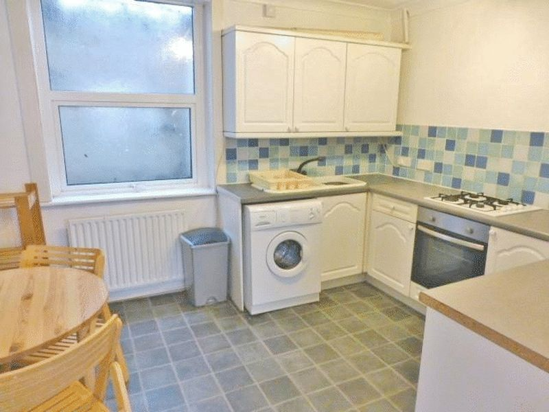 Edinburgh Road, Brighton property to let in Lewes Road South, Brighton by Coapt