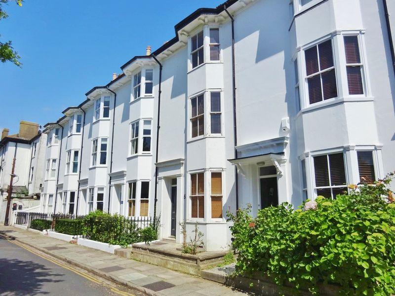 Pelham Square, Brighton property to let in Central Brighton, Brighton by Coapt