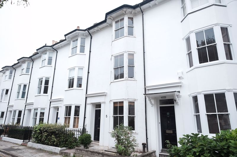 Pelham Square, Brighton property to let in Central Brighton, Brighton by Coapt