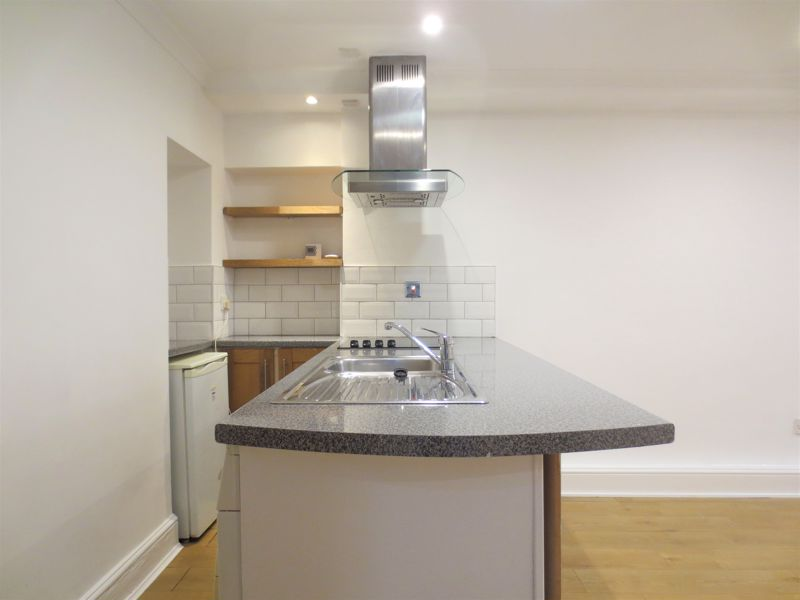 Marine Parade, Brighton property to let in Kemptown, Brighton by Coapt