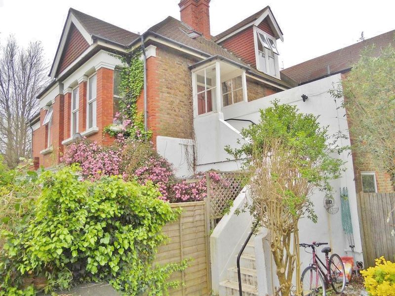 Wilbury Crescent, Hove property to let in Central Hove, Brighton by Coapt