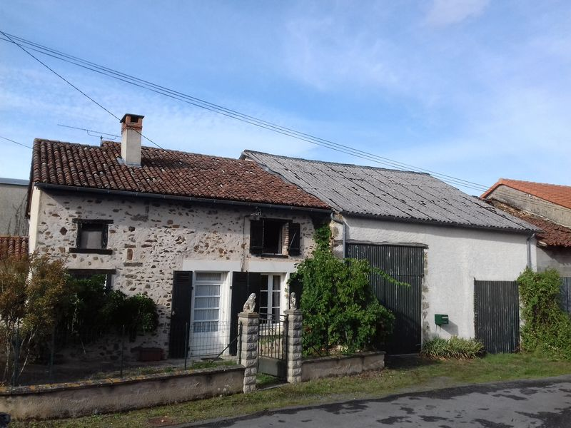 Great investment property, cottage and ancient house to renovate