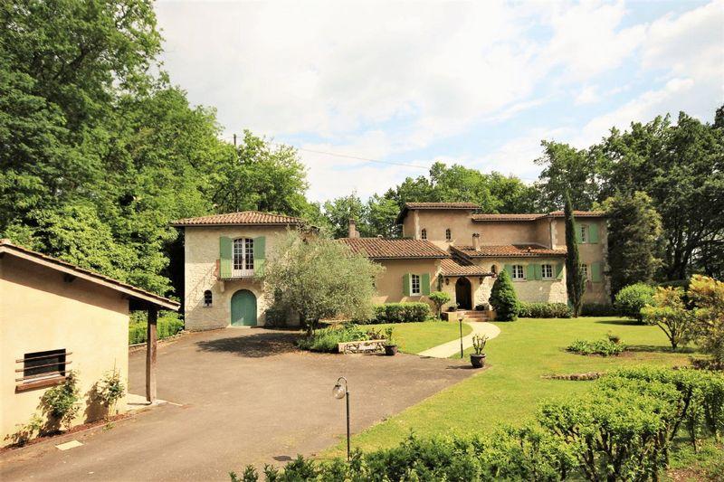 Stylish villa in a fabulous setting