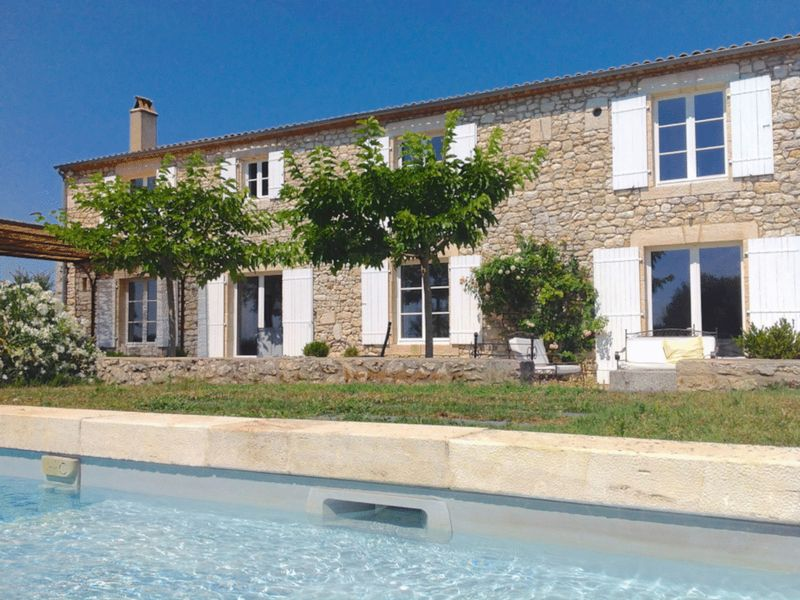 Superb character property, gite, pool, stabling & 7 acres