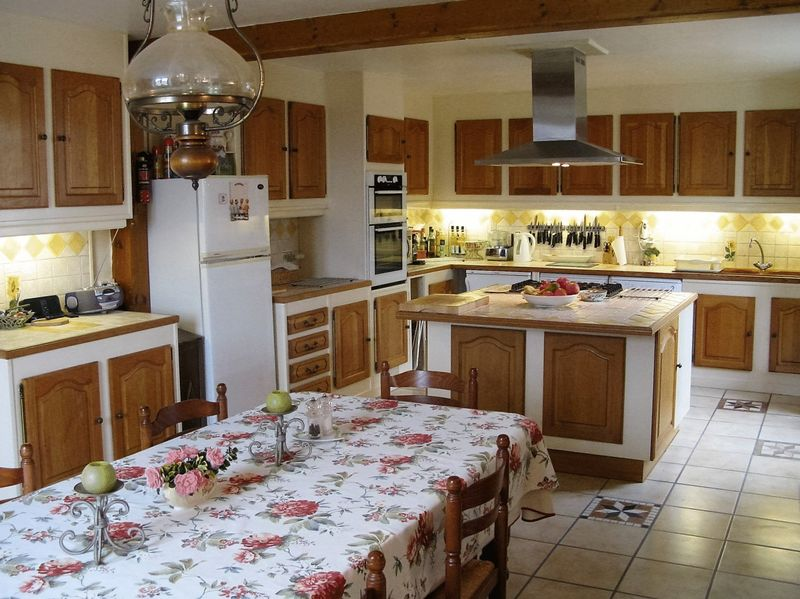 5 beds Charentaise, heated swimming pool
