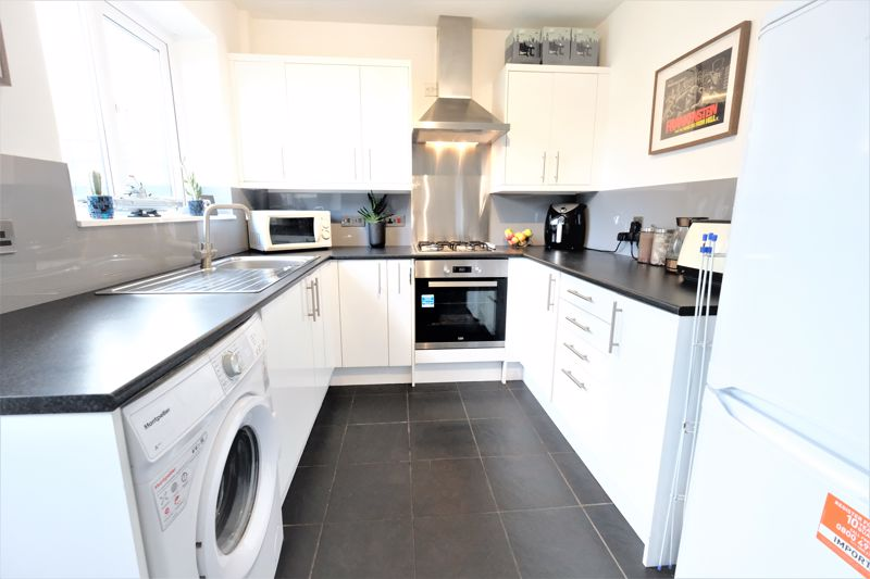 2 Bedroom Semi Detached House For Sale - Photo 6