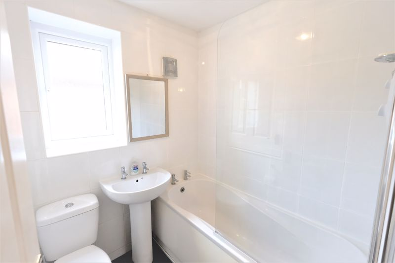 2 Bedroom Semi Detached House For Sale - Photo 9