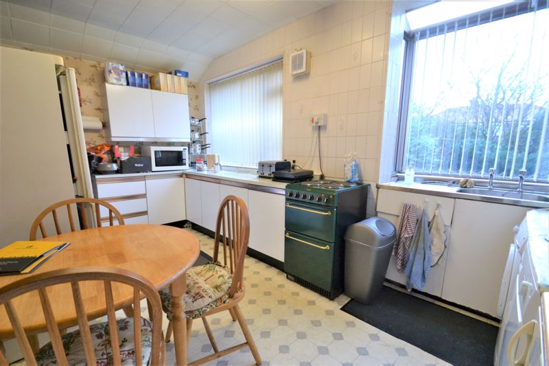 3 Bedroom Semi Detached House For Sale - Photo 10