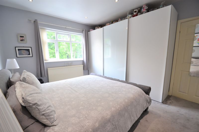 4 Bedroom Semi Detached House For Sale - Photo 14