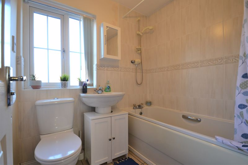 4 Bedroom Terraced House For Sale - Photo 4