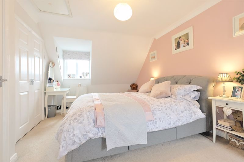 4 Bedroom Terraced House For Sale - Photo 2