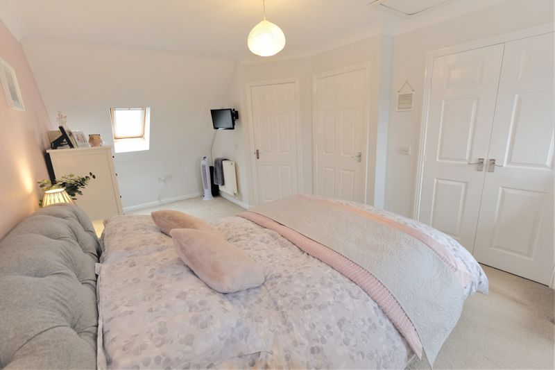 4 Bedroom Terraced House For Sale - Photo 3