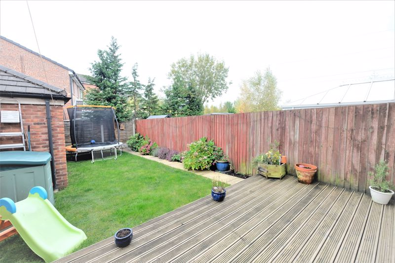 4 Bedroom Terraced House For Sale - Photo 15