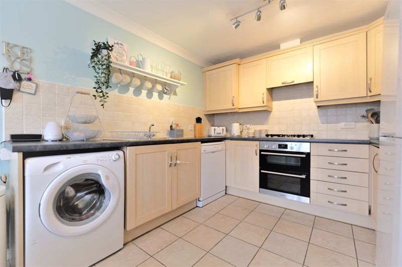 4 Bedroom Terraced House For Sale - Photo 17