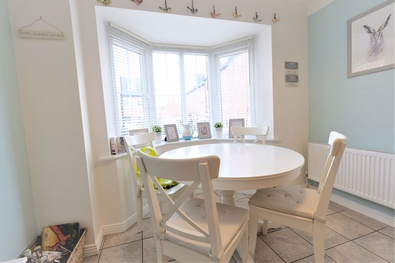 4 Bedroom Terraced House For Sale - Photo 18