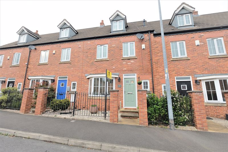 4 Bedroom Terraced House For Sale - Photo 19