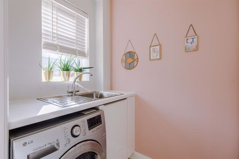 4 Bedroom Semi Detached House For Sale - Photo 10