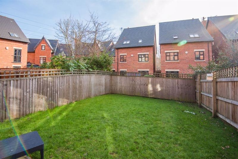 4 Bedroom Semi Detached House For Sale - Photo 26