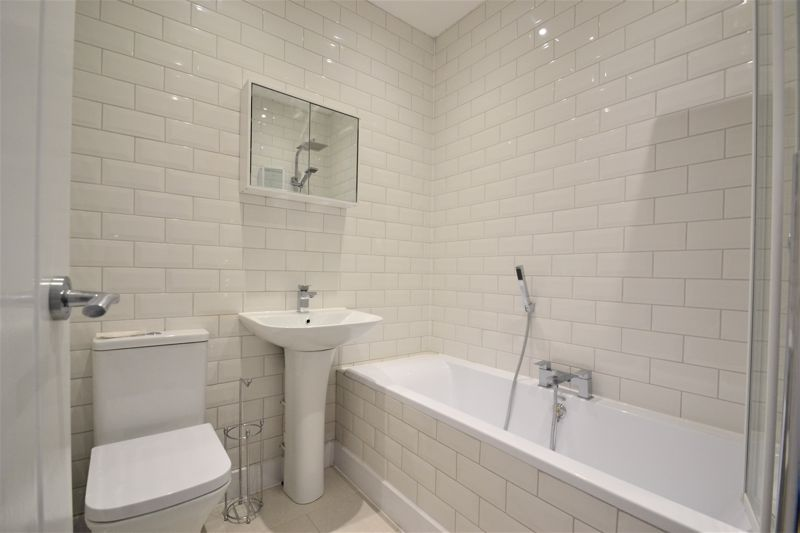 3 Bedroom Terraced House For Sale - Photo 11