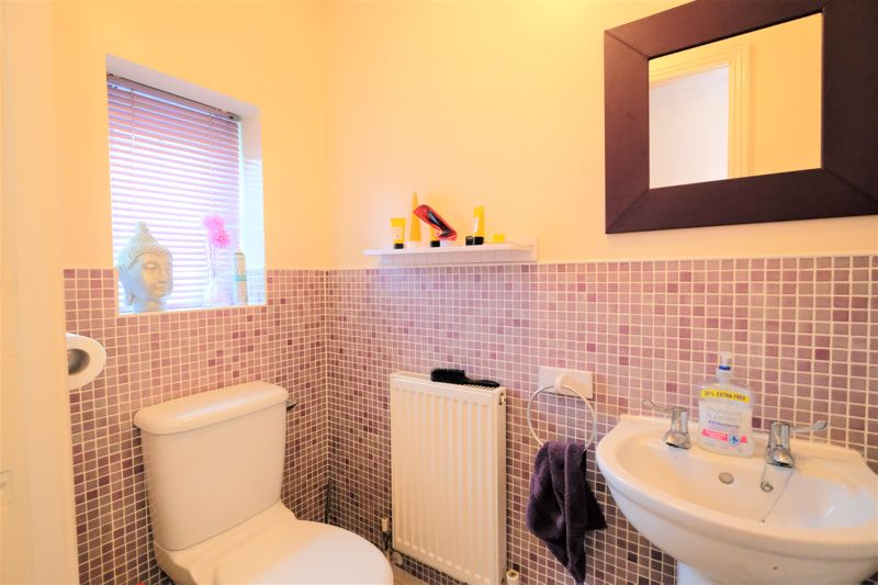 4 Bedroom Terraced House For Sale - Photo 24