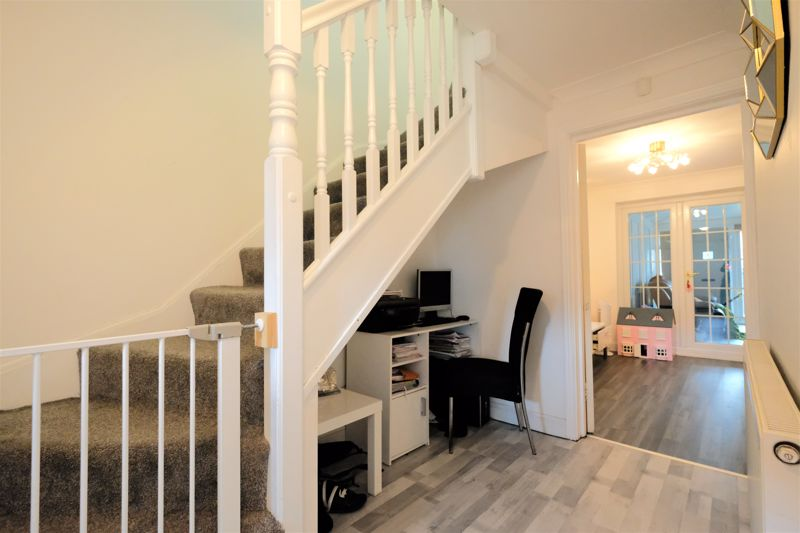 4 Bedroom Terraced House For Sale - Photo 25