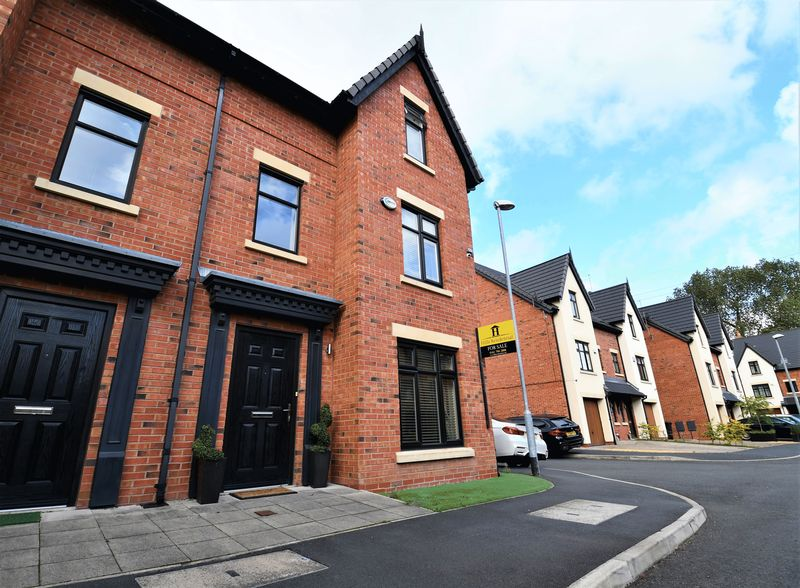 4 Bedroom Semi Detached House For Sale - Photo 17