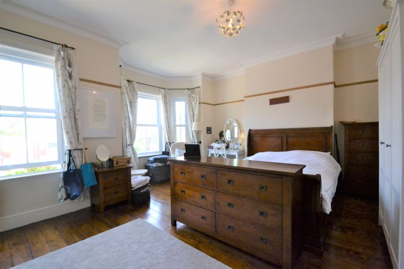 5 Bedroom Terraced House For Sale - Photo 7