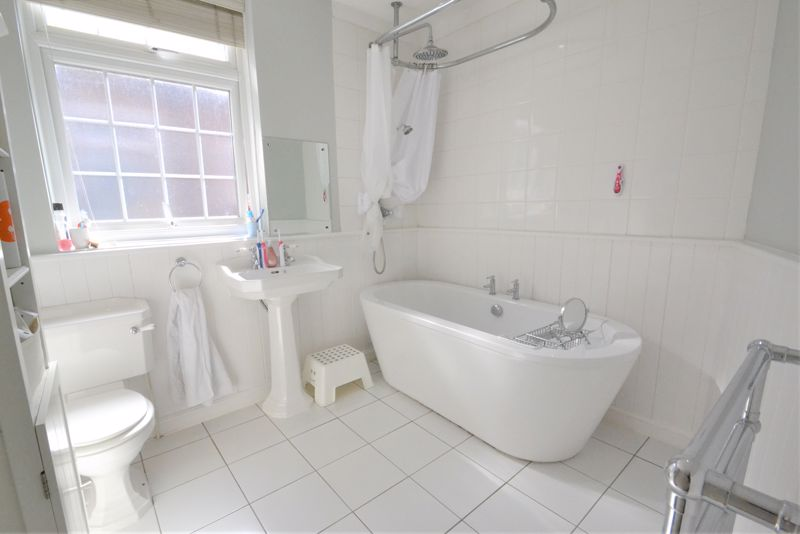 5 Bedroom Terraced House For Sale - Photo 10