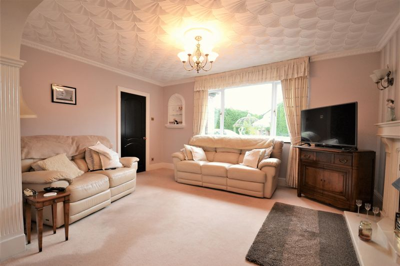 5 Bedroom Detached House For Sale - Photo 12