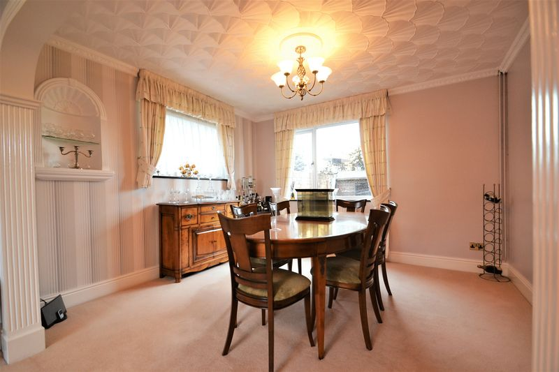5 Bedroom Detached House For Sale - Photo 13