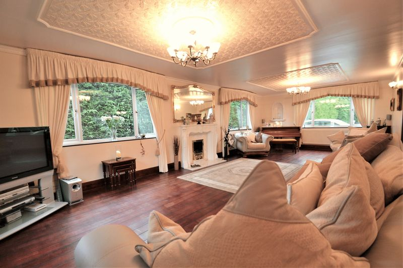 5 Bedroom Detached House For Sale - Photo 16