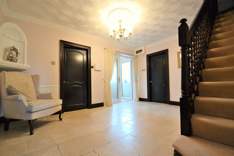 5 Bedroom Detached House For Sale - Photo 17