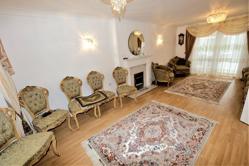 4 Bedroom Detached House For Sale - Photo 1
