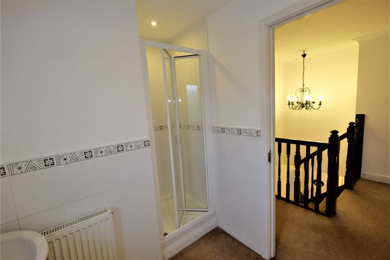 4 Bedroom Detached House For Sale - Photo 11