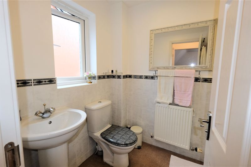 4 Bedroom Detached House For Sale - Photo 15