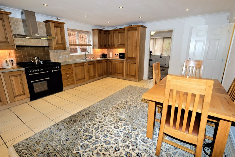 4 Bedroom Detached House For Sale - Photo 21